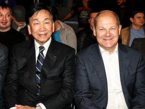AIBA Präsident Dr. Wu mit dem Hamburger Bürgermeister Olaf Scholz
