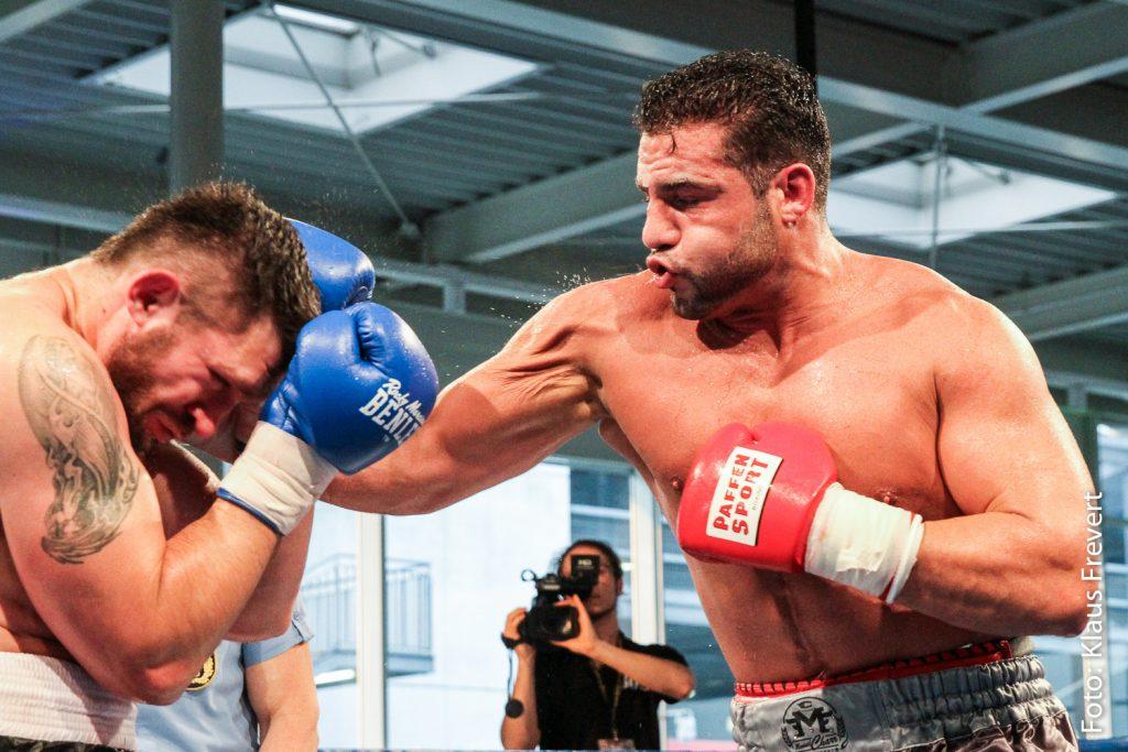 Manuel Charr vs Andrei Mazanik