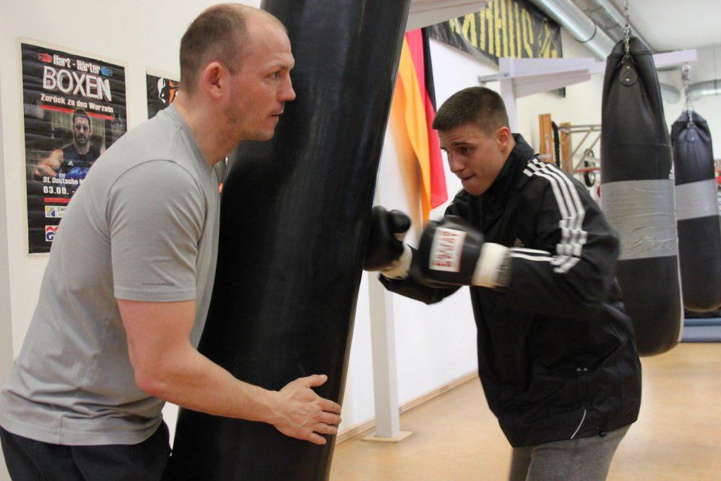 Jürgen Brähmer beim Training mit Tyron Zeuge - Foto: Team Sauerland