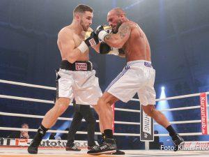 Leon Bunn vs Viktor Kessler