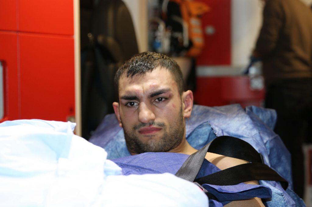 Araik Marutjan auf dem Weg ins Krankenhaus - Foto: Wolfgang Wycisk