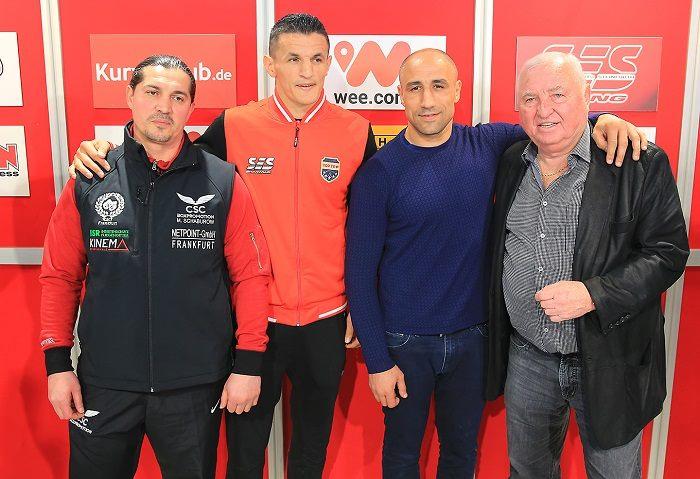 Magomed Schaburow, Robin Krasniqi, Arthur Abraham und Ulli Wegner - Foto: P. Gercke / Team SES