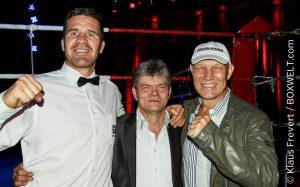 Promoter Ralf Hultzsch mit Timo Hoffmann und Axel Schulz